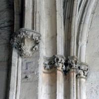 Chapiteaux et retombées des voûtes de la chapelle du Saint-Sépulcre (2007)