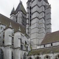 Vue partielle des tours de façade depuis le nord-est (2015)