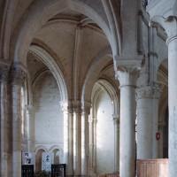 Chapelles du déambulatoire et du bas-côté sud du choeur vues vers le sud-est (2006)