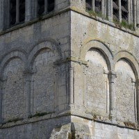 Le second étage du clocher-porche vu du nord-ouest (2016)