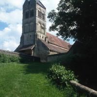 L'église dans son environnement vue du sud-ouest (1994)