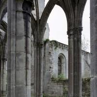 Les chapelles du bras nord du transept vues depuis le déambulatoire (2006)