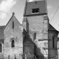 Les parties orientales de l'église vues du sud (2006)