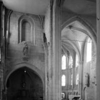Vue partielle du bras nord du transept et du choeur vers le sud-est