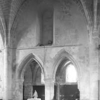 Vue du mur gouttereau nord de la seconde travée de la nef vers le nord (1996)