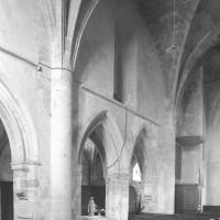 Vue du mur gouttereau nord de la seconde travée de la nef vers le nord-est (1996)