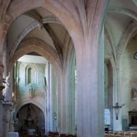 Le bas-côté nord de la nef vu vers le sud-est (2006)