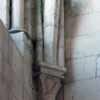 Retombée de voûte à l'angle nord-est du bras nord du transept (2006)