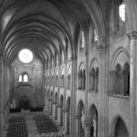 L'intérieur vu vers le nord-ouest depuis la chapelle haute du choeur