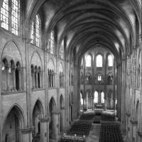 L'intérieur vu vers le nord-est depuis la tribune ouest