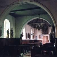 La travée du clocher et la nef vues vers le sud-ouest (2005)