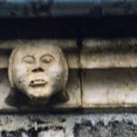 Détail de la corniche du mur nord de la nef (2005)