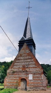 L'église vue du sud-ouest (2004)