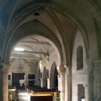 La travée du clocher et la nef vues vers le nord-ouest (1994)