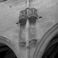 Niches à la retombée des voûtes de la nef
