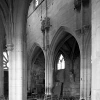Vue partielle de la nef vers le nord-ouest depuis le bas-côté sud