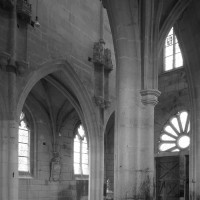 Vue partielle de la nef vers le sud-ouest depuis le bas-côté nord