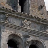 Détails de la partie supérieure du clocher (2002)