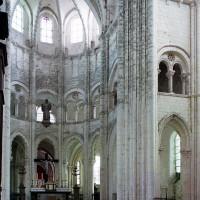 La croisée du transept et le choeur vus vers le sud-est (2003)