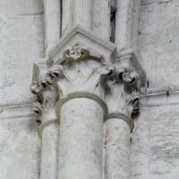 Chapiteaux à la retombée des voûtes du vaisseau central (2008)