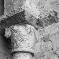 Chapiteau de l'arcade du bas-côté sud de la nef, côté droit (1970)