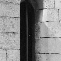Fenêtre à linteau échancré dans le bas-côté sud (1970)