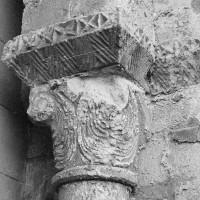 Chapiteau de l'arcade du bas-côté sud de la nef, côté droit (1969)