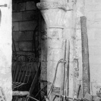 La demi-colonne associée à la dernière arcade nord de la nef (1969)