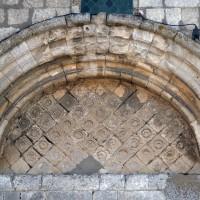 Le tympan du portail ouest de la nef romane (2015)