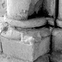 Base de droite de l'arcade de la chapelle sud (1994)