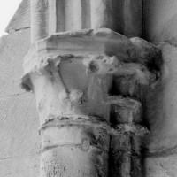 Chapiteaux de la chapelle du 13ème siècle (1994)