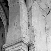 Détail de l'arcade et de la retombée de la voûte du bras nord du transept (1997)