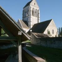 L'église dans son environnement vue du nord-ouest (1997)