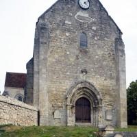 La façade de l'église vue de l'ouest (2015)