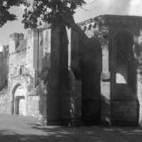 Le bras sud du transept et sa chapelle vus du sud-est (1995)