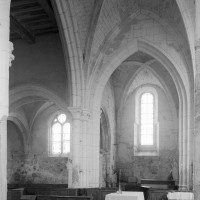 La travée droite du choeur et le bras nord du transept vus vers le nord (1996)