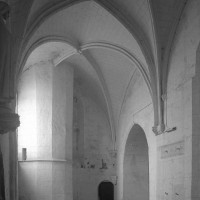 La chapelle au sud de la base du clocher vue vers le nord-ouest (1997)