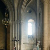 Vue partielle du transept et du choeur vers le nord-est (1995)