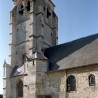 Le clocher et la nef vus du sud-est (2003)