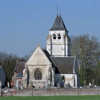 L'église dans son environnement vue du nord-est (2003)