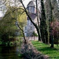 L'église dans son environnement vue du sud (1995)