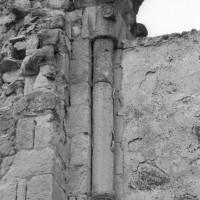 Le piédroit d'une baie du clocher (1995)