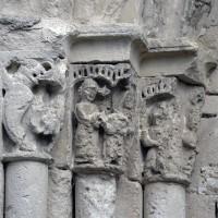 Les chapiteaux des piédroits de gauche du portail (2019)