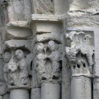Les chapiteaux des piédroits de droite du portail (2019)