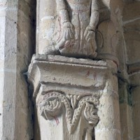 Chapiteau et atlante à la retombée nord-ouest de la voûte du bras sud du transept (1995)