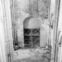 La nef vue vers l'ouest depuis l'intérieur du clocher (1969)
