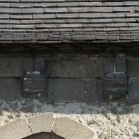 La corniche romane au mur sud de la nef (2017)