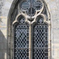 Fenêtre du mur ouest de la chapelle sud (2017)