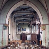 Vue partielle de l'intérieur vers l'ouest depuis la travée du clocher (2000)