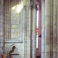 Arcade assurant la communication entre la chapelle nord et le choeur